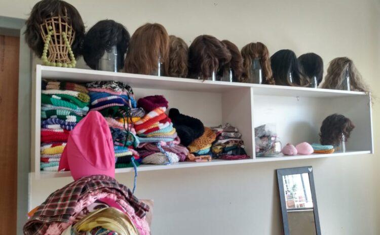 Banco de Perucas do Centro Oncológico do HRDV recebe mexas de cabelos naturais e toucas