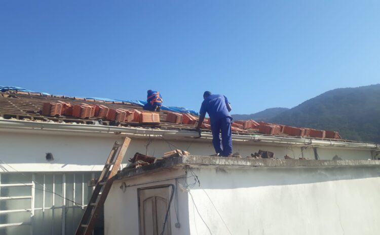 Telhado do HRDV vem recebendo reforma e manutenção desde a forte chuva